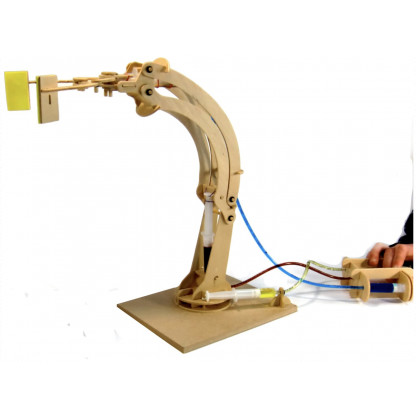 6710 6 Hydraulic circuits power the robotic articulated arms. Great wooden kit for budding engineers!