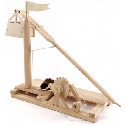 6719 3 A working re-creation inspired by Leonardo da Vinci's 15th century trebuchet.