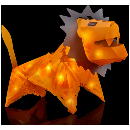 888007 3 1 Luminous Lion has 34 Creatto pieces and a string of 20 LED lights, you can build a lion, ostrich, snake, and rhinoceros. Battery-powered lights require 2 AA batteries. Suitable for ages 8 and up.
